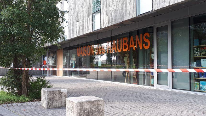 La maison des Haubans, à Malakoff, ce mercredi, est fermée après les dégradations de la nuit