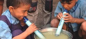 """L'achat de la paille """"lifestraw"""" permet l'accès à l'eau potable dans le monde"""