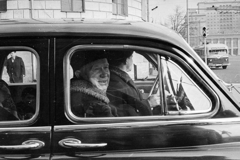 Nikita Khrouhtchev quitte son appartement de Moscou le 24 Mars 1965