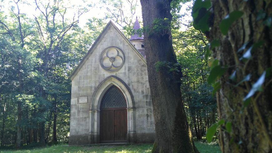 La chapelle Saint Félix à Merry la Vallée : un lieu de calme et de paix niché au coeur de la forêt