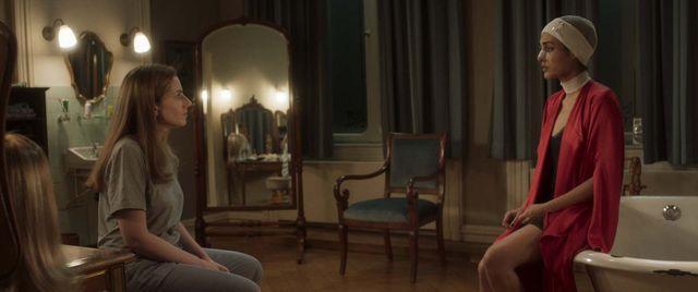 """Ici : Neta Riskin (à gauche) et Golshifteh Farahani (à droite). Jérôme Garcin : """"Le thriller est un peu cousu de fil blanc mais ce film vaut surtout pour ce huis clos qui réunit deux jeunes femmes que tout oppose et que tout menace"""""""
