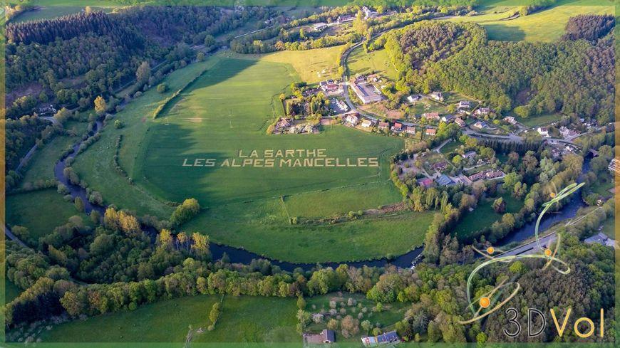 Les habitants de Saint Léonard des Bois ont réalisé un visuel de 285 mètres dans un champ de blé pour les caméras des hélicoptère du Tour de France