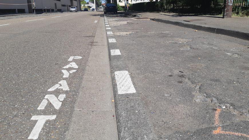 La rue de la caserne dans le quartier de Pontiffroy est devenue payante le 1er août 2017.