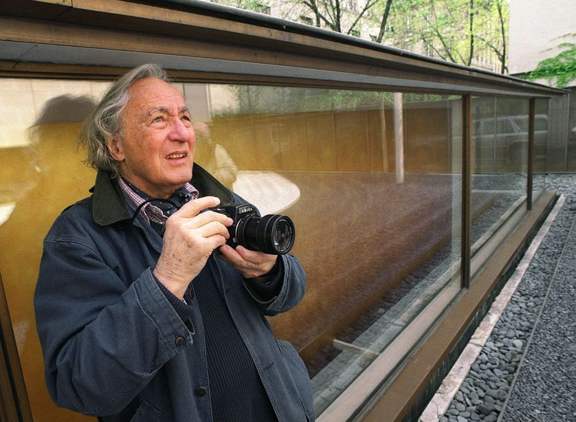 William Klein le 15 avril 2002 à la Maison Européenne de la Photographie à Paris.