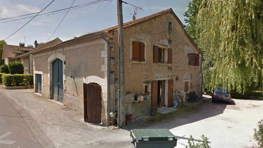 L'immeuble a pris feu à la petite Veyssière ce dimanche vers 9h30.
