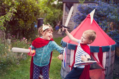 Les petits garçons seraient tous des chevaliers et les petites filles des princesses ? Non, plus au XXIe siècle !