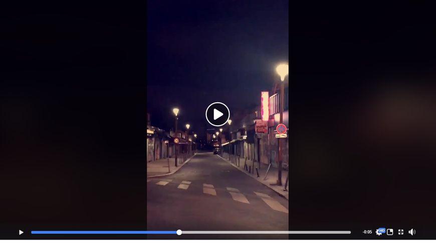 Sur cette vidéo, les lampadaires clignotent