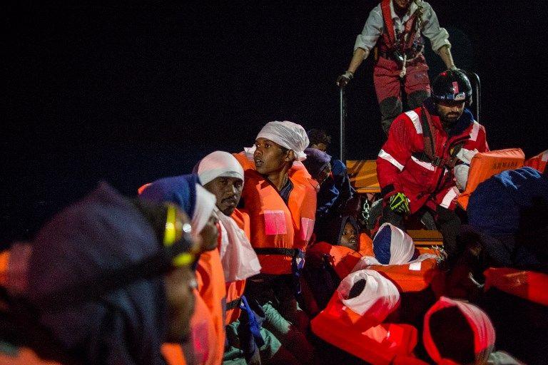 Des réfugiés à bord de l'Aquarius