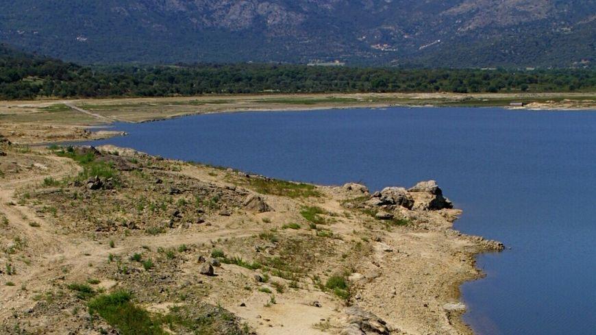 Agriculteurs et collectivité de Corse signe une charte sur la gestion de l'eau