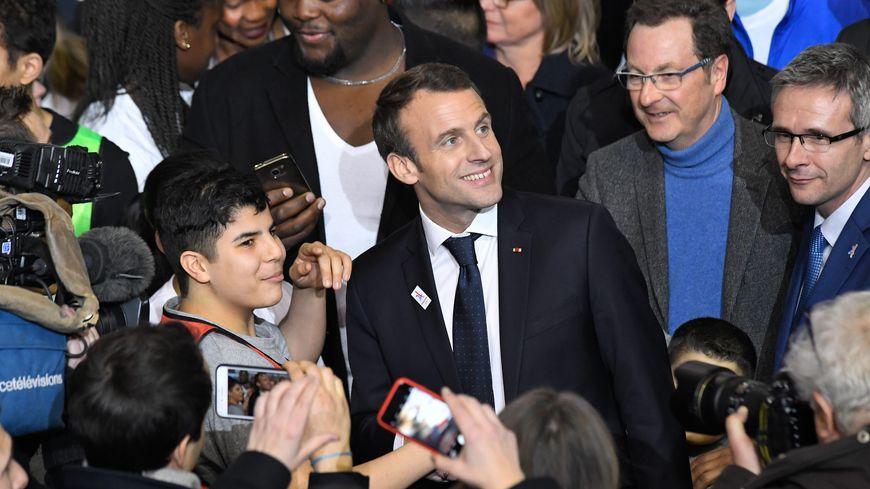 Question: est-ce que le président se rendra dans le centre de Périgueux pour rencontrer les habitants ?