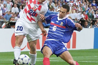 Youri Djorkaëff en 1998 durant le match France-Croatie au Stade de France.