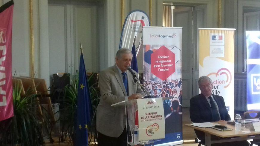 Jacques Mézard, ministre de la cohésion des territoires