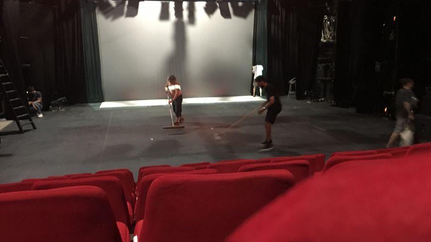 La salle 1 du théâtre 11 Gilgamesh, fermée jeudi sur ordre de la mairie, a été rouverte ce samedi 21 juillet