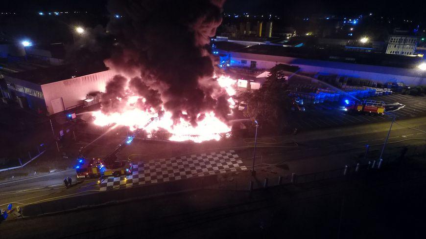 Incendie au Port du Rhin, à Strasbourg, le 19 juillet 2018