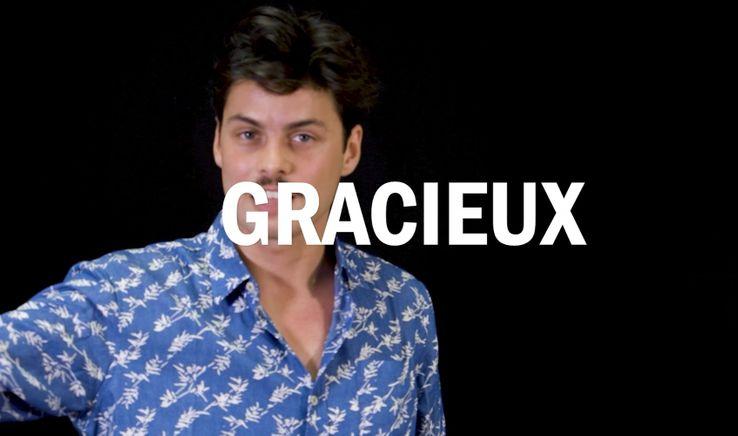 """Gauthier Battoue interprète un extrait de la tirade des nez dans """"Cyrano de Bergerac"""""""