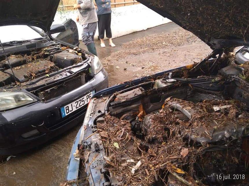 Des dégâts importants sur des voitures, dans le quartier de la Négresse à Biarritz