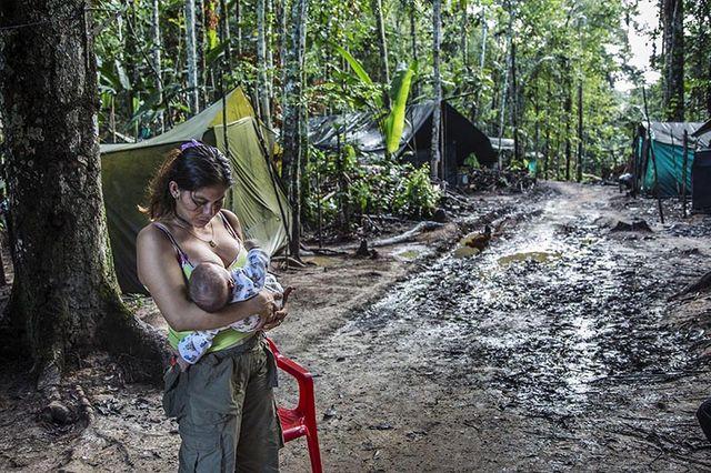 Femme Farc en Colombie