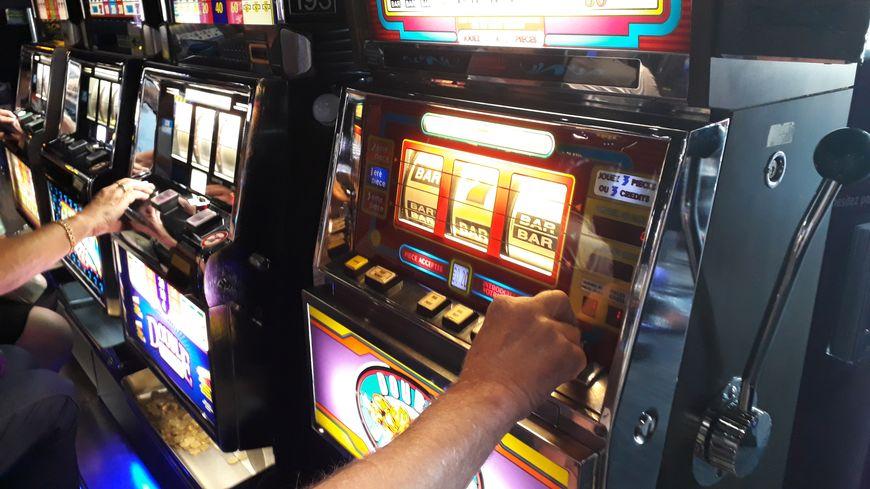 Les machines à sous ont fait leur apparition dans les casinos français au début des années 90
