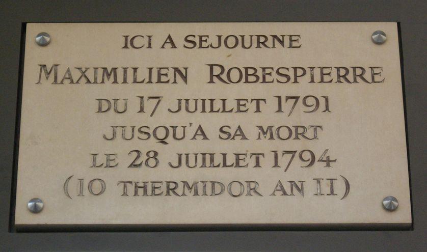 Plaque apposée au n° 398 de la rue de Saint-Honoré, Paris 1er.