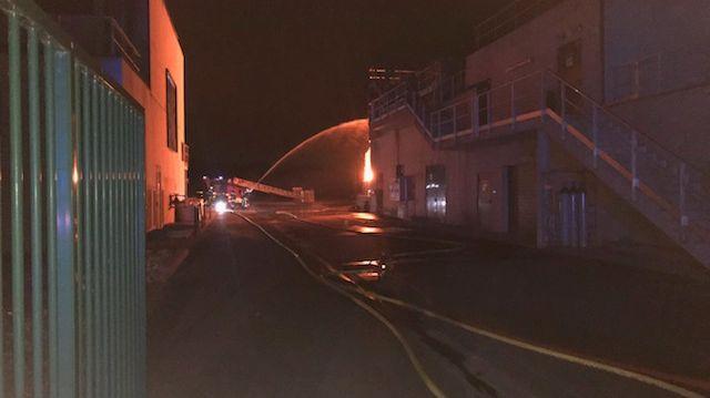 44 pompiers mobilisés cette nuit par une explosion et un incendie à la station d'épuration de Cabourg (14)