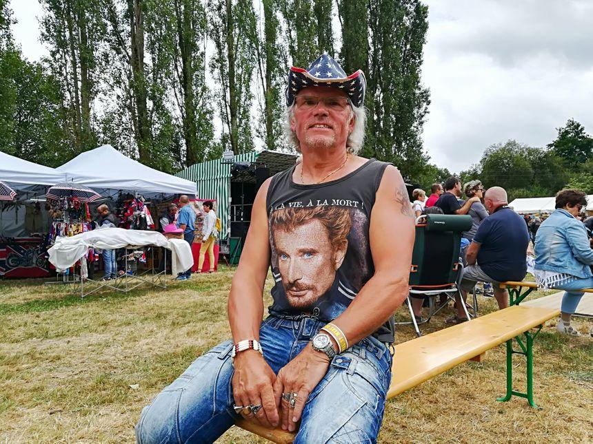 Didier est un fan du tôlier , il a fait la route depuis la Sarthe pour assister au concert de Johnny Rock