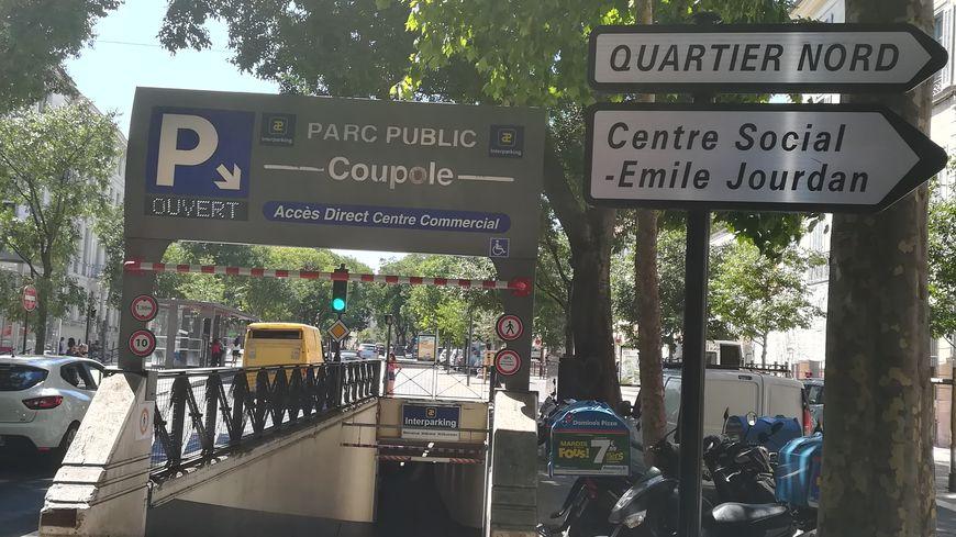 Le parking de la Coupole à Nîmes