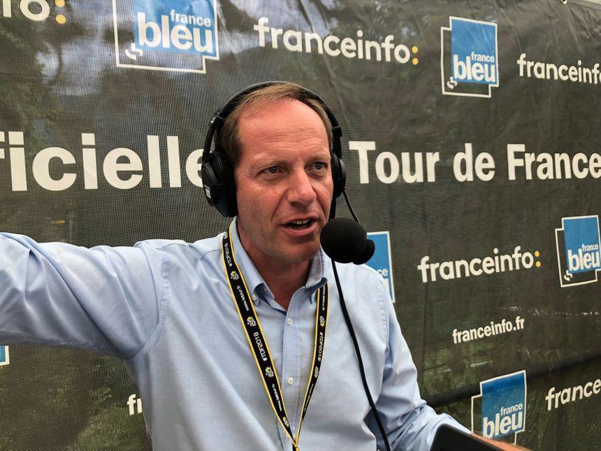 Christian Prudhomme, le patron du Tour, dans le studio France Bleu à Bagnères.