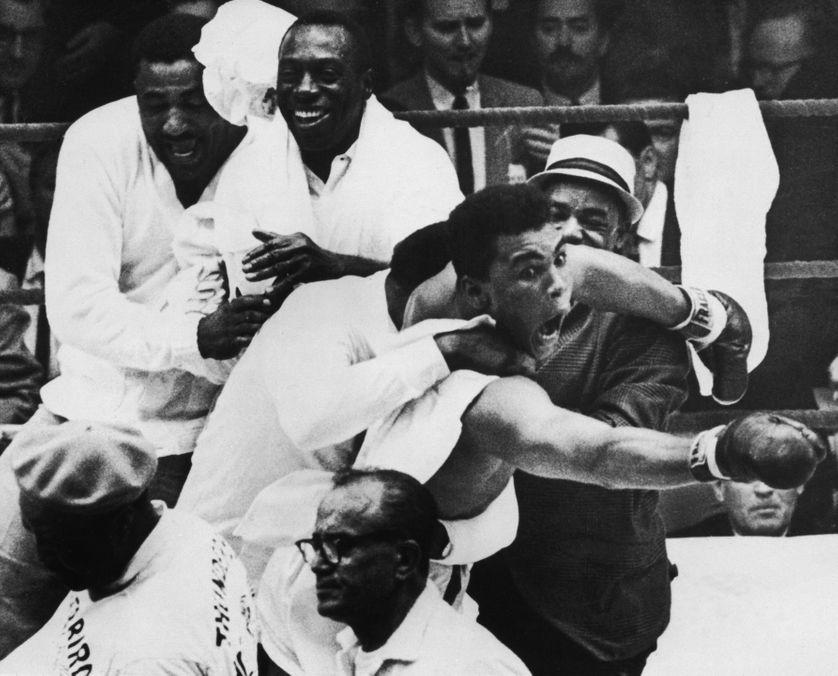 Mohamed Ali lors de sa victoire contre Sonny Liston en 1964