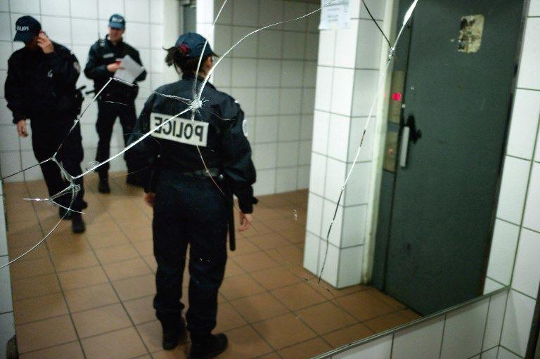 Conditions de travail, méfiance et violences policières: l'institution se fissure.