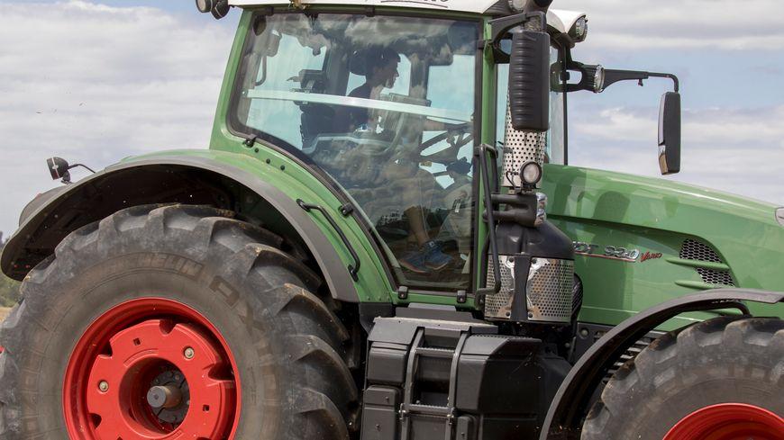 Le tracteur transportait une citerne d'eau (illustration)