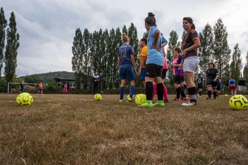 Laura Flessel à Ronchamp. une visite au club feminin de football