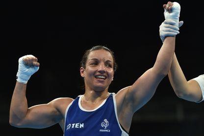 Le 18 août 2016, Sarah Ouramoune bat la colombienne Ingrit Lorena Valencia Victoria en demi-finale. La Française s'inclinera en finale face à la britannique Nicola Adam.