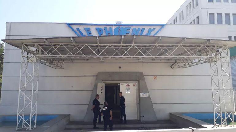 La boîte de nuit Le Phoénix à Meylan au lendemain du meurtre d'Adrien Perez