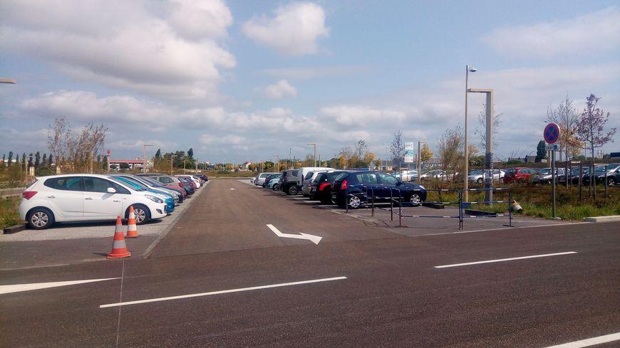 Le parking au nord de la gare est devenu payant