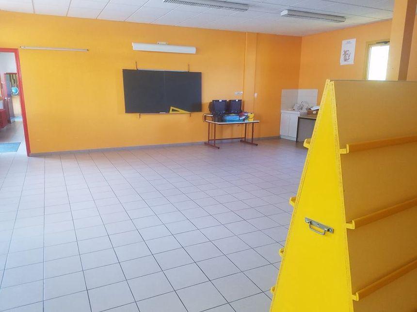 A l'école des Glonnières, la bibliothèque a été transformée en salle de classe.