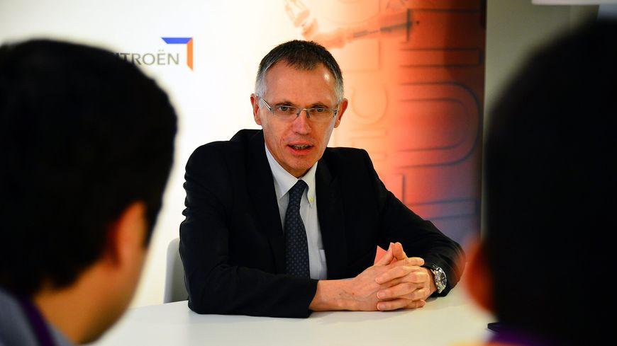 Carlos Tavares, patron de PSA, lors d'une visite à l'usine Sevelnord d'Hordain en 2016
