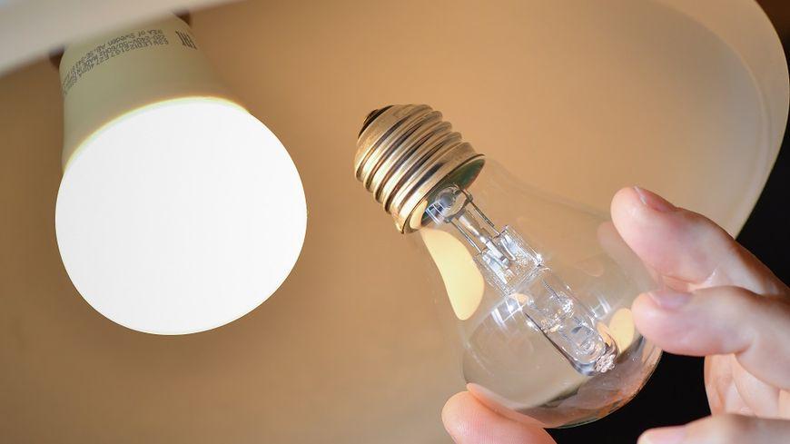 Les ampoules halogènes doivent être remplacées par des LED à compter de ce samedi.