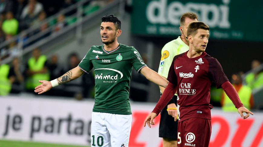 Rémy Cabella la saison dernière sous les couleurs de Saint-Etienne.