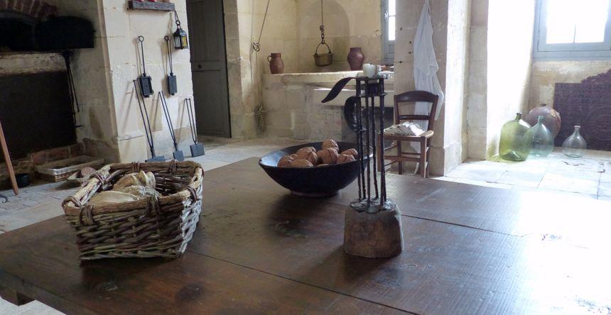 Le puits intérieur dans la cuisine permettait d'avoir un point d'eau sécurisé.