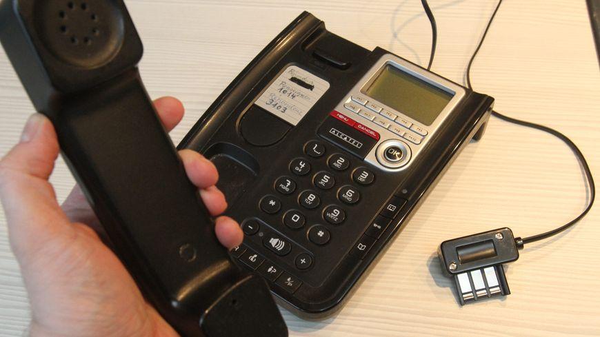La fin du téléphone fixe traditionnel est programmée. A partir de 2023, il faudra être connecté à internet pour l'utiliser