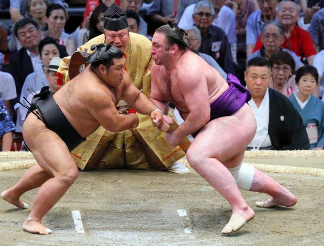 """L'accès au ring, considéré comme un lieu sacré, est interdit aux femmes jugées """"impures""""."""