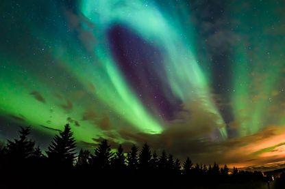 Aurore boréale près du cercle Arctique