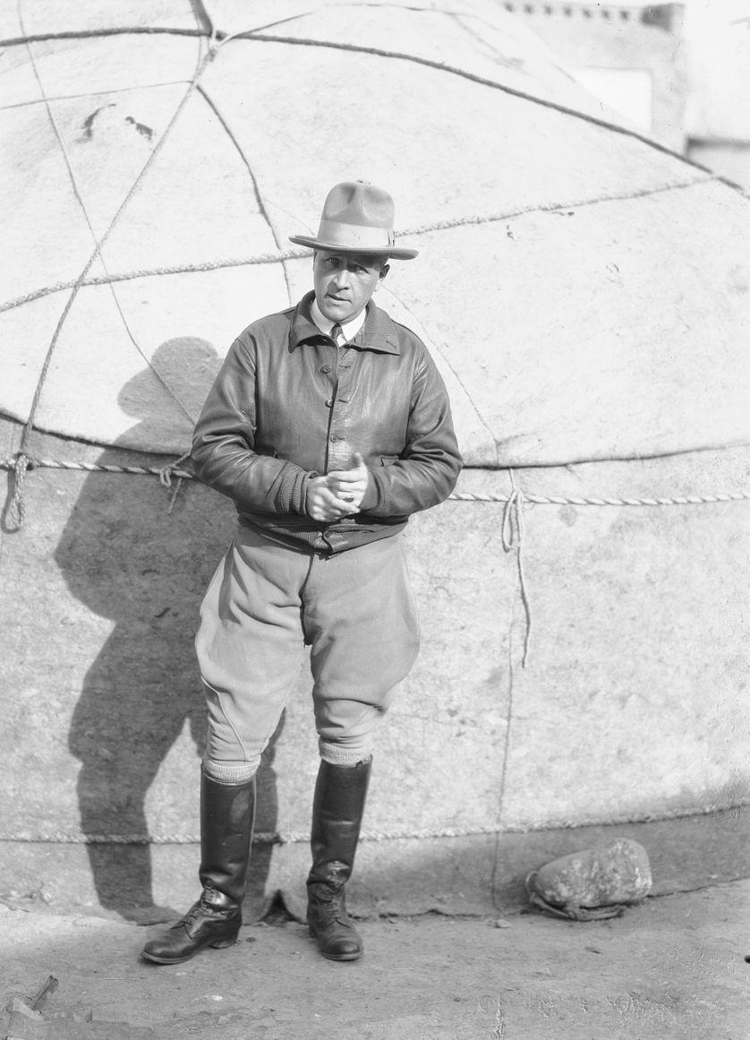Joseph Hackin au cours de la Croisière Jaune en Chine en octobre 1931