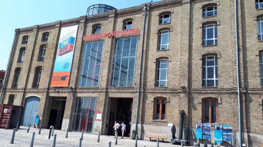 """Le musée portuaire de Dunkerque prépare une exposition, """"Oily Days"""", sur les années pétrole."""