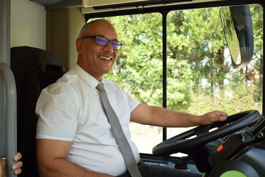 Abdel, l'un des chauffeurs des nouvelles lignes de bus de Privas.
