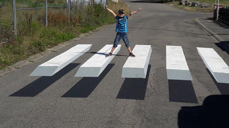 La ville de Pfastatt s'est dotée un passage piéton en 3D