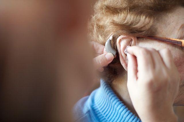 L'association collecte et recycle les appareils auditifs, et les met ensuite à disposition à l'hôpital