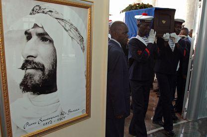 En 2006, le corps de Pierre Savorgnan de Brazza est rapatrié à Brazzaville (République du Congo), ville dont il fût le fondateur en 1880.