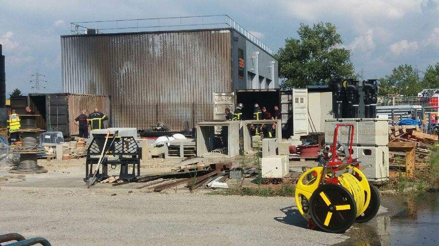 Cet incendie sur le site de Véolia a enfumé le bâtiment de l'entreprise voisine EPS Peinture.
