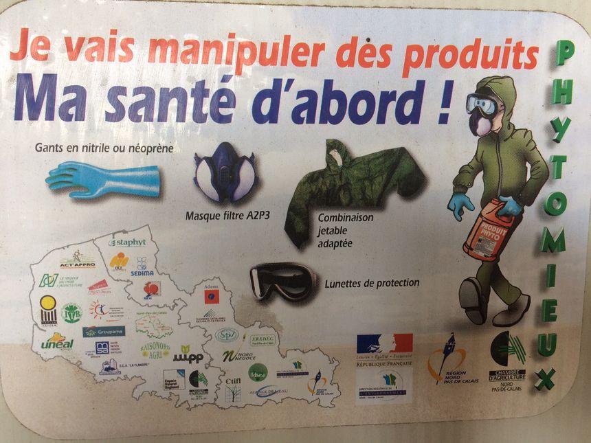 Consignes affichées sur le local où Christian Durlin stocke ses produits phytosanitaires